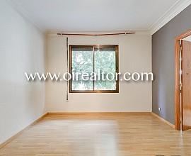 Schöne Wohnung zum Verkauf im Stadtviertel Fort Pienc, Barcelona