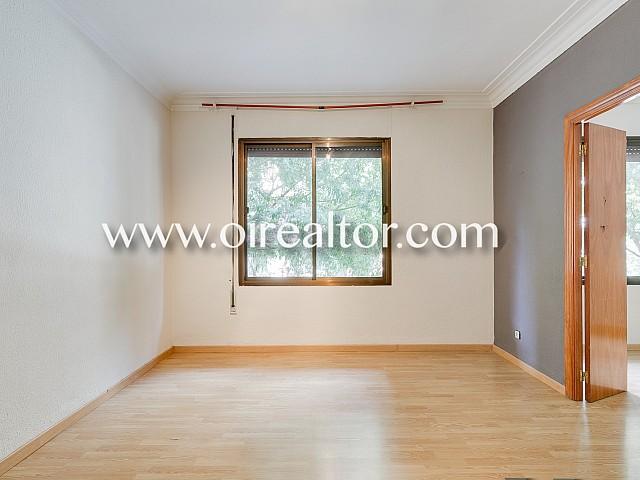 在Fort Pienc,巴塞罗那附近漂亮的公寓出售