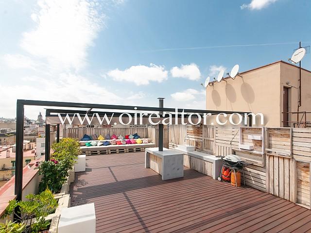 Diàfan i modern atic amb terrassa al Quadrat d'Or, Barcelona