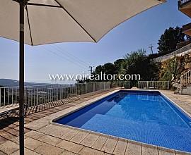 Casa en venta a cuatro vientos con maravillosas vistas a las playas de Sant Pol de Mar