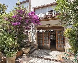 Casa en venta con mucha personalidad e infinitas posibilidades en el céntrico barrio de Sant Francesc, en Sant Cugat del Vallés