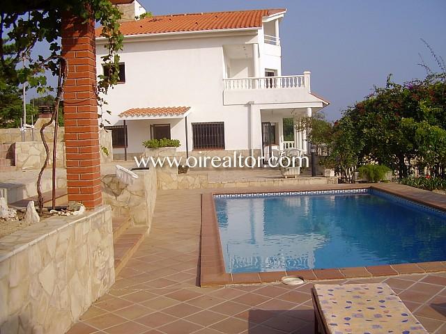 Casa de alto standing con vistas panorámicas en venta en Canet de Mar