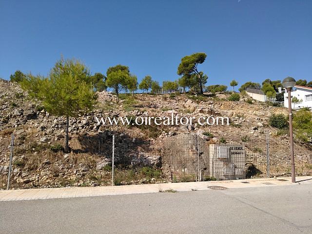 Terreny amb vistes al mar a Can Girona, Sitges