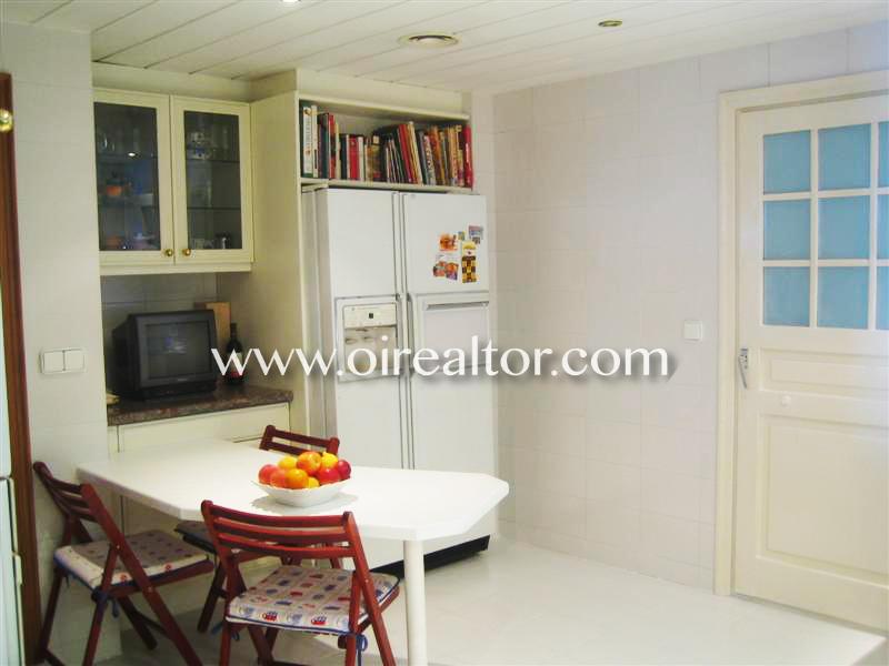 Красивая квартира с видом на море на берегу моря в Льорет-де-Мар