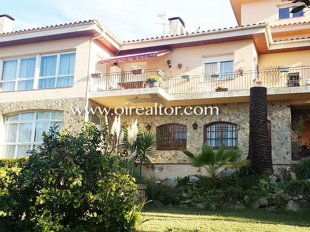 Espaciosa casa a pocos minutos de Lloret de Mar con extraordinaria piscina de 8 metros.