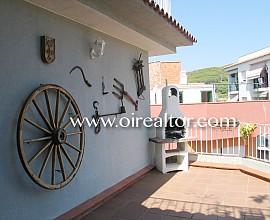 Beautiful semi-detached villa located a few minutes from the center of Lloret de Mar