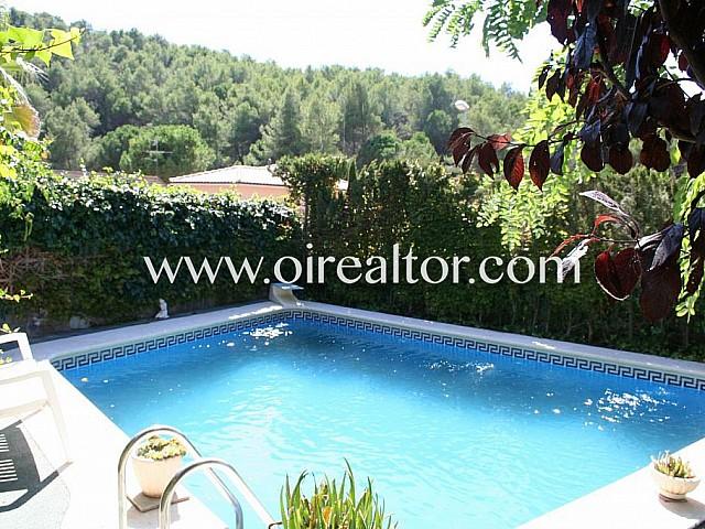 Espectacular habitatge cantoner amb jardí i piscina a Begues