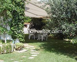 Excelente chalet adosado en venta en Vallpineda, Sitges
