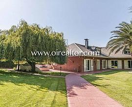 Exclusiva casa familiar en venta en Valldoreix, Sant Cugat
