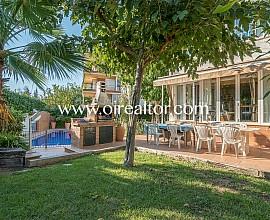 Encantadora casa familiar con piscina en Vallpineda, Sitges