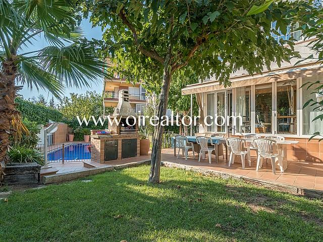 Encantadora casa familiar amb piscina a Vallpineda, Sitges