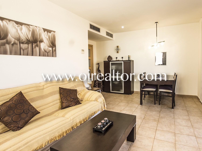 Хорошая квартира с туристической лицензией и парковкой в Льорет-де-Мар, Коста Брава