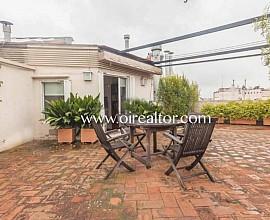 Assolellat àtic en venda amb impressionant terrassa de 80 m2 a l'Eixample Dreta