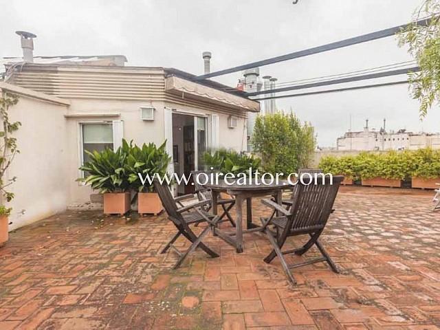 Ensoleillé penthouse à vendre avec superbe terrasse de 75m2 dans l'Eixample Dreta