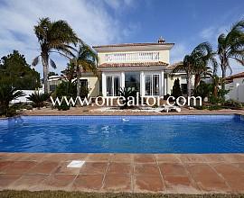 Luxury villa for sale in Miami Playa