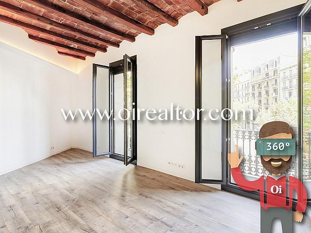 Amazing corner apartment in Eixample Esquerre, Barcelona