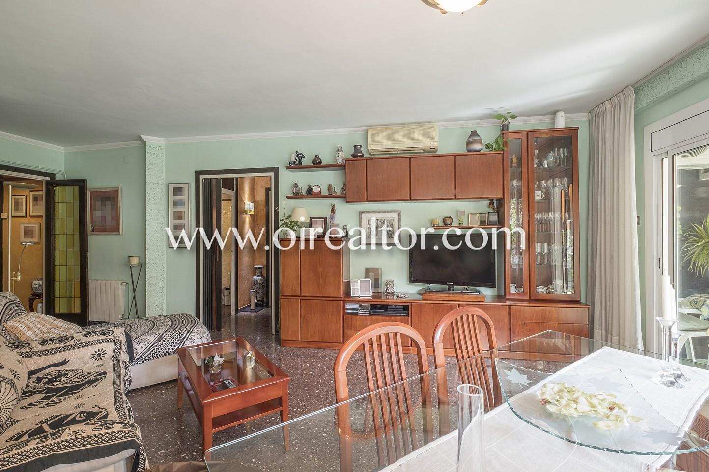 Amplio piso con balc n exterior en sagrada familia - Piso interior o exterior ...