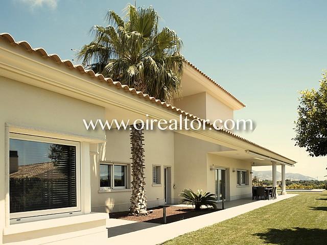 Fabelhafte Villa zum Verkauf in Can Girona, Sitges