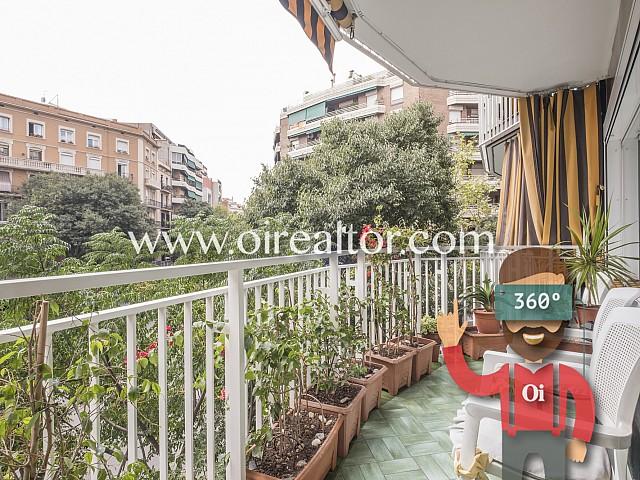 Ampli pis amb balcó exterior a Sagrada Família, Barcelona