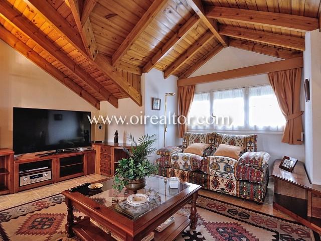 Casa aparellada en lloguer amb molt d'encant en zona residencial propera al centre de Cerdanyola