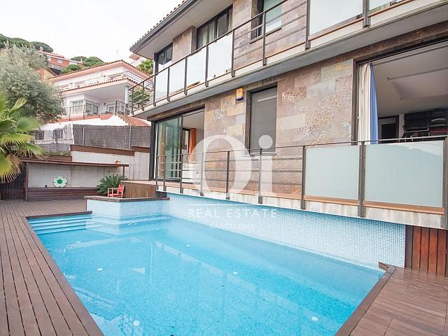 Venta de dos casas con magníficas vistas al mar en venta en Alella