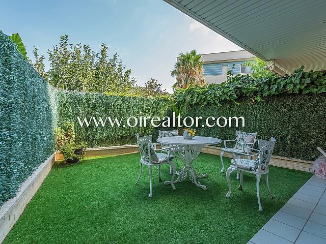 Precioso dúplex con jardín a la venta en Can Pei, Sitges