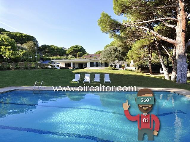 Grande maison individuelle dans l'urbanisation de Rocaferrera, Sant Andreu de Llavaneres
