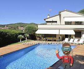 Preciosa casa a 4 vientos en venta en Sant Vicenç de Montalt