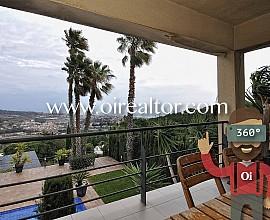 Casa en venta con vistas en Alella, Maresme