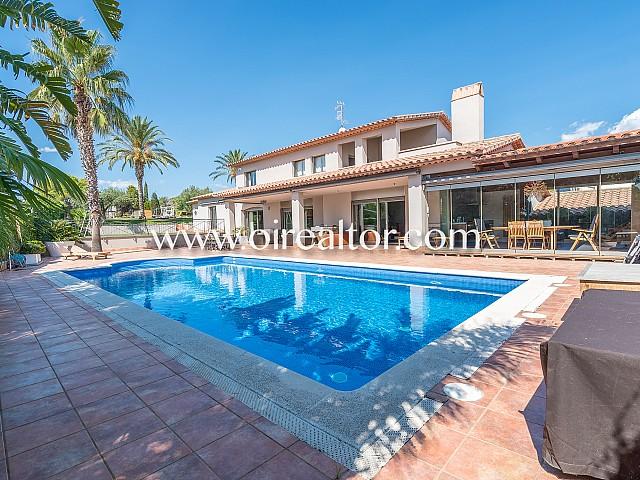 Espectacular y lujosa propiedad a la venta en Can Pei, Sitges