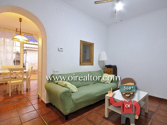 Casa amb gran pati en venda a Pep Ventura, Badalona