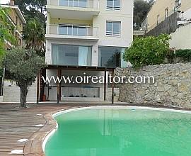 Magnífica vivienda con piscina a la venta en Bellamar, Castelldefels