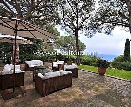 Preciosa villa estilo mediterráneo en alquiler con vistas al mar en Premià de Dalt