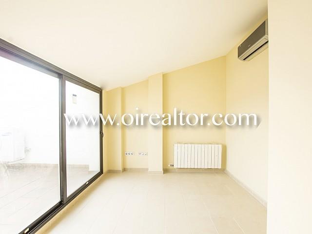 Excelente ático-dúplex exterior de cuatro habitaciones