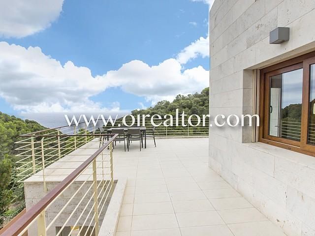 Preciosa villa de reciente construcción con domótica en Santa María de Llorell, Tossa de