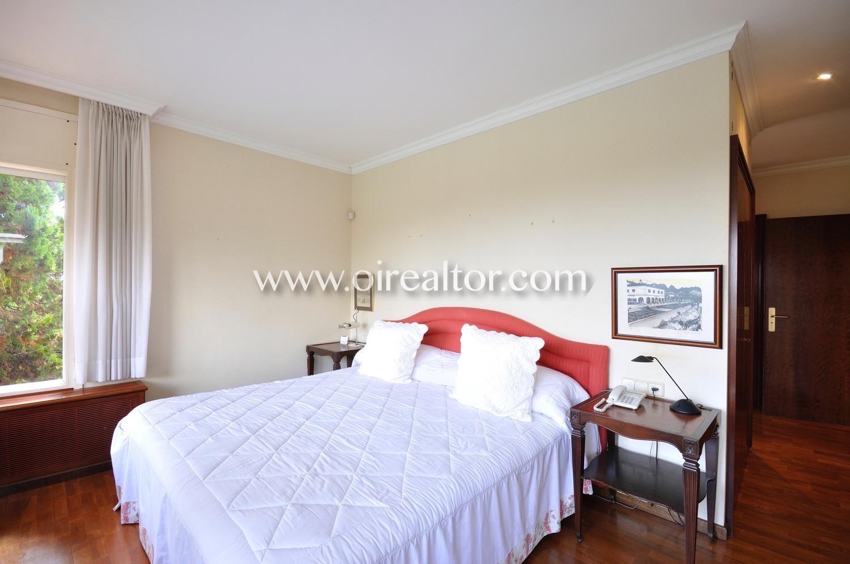 Espectacular casa unifamiliar con mucho terreno en cabrera for Planimetrie della casa con 2 master suite