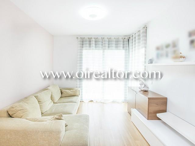 现代化的三间卧室的公寓距离海滩仅有的Fenals,滨海略雷特分钟
