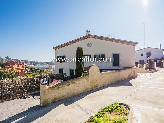 Acogedor dúplex en venta en el exclusivo pueblo de Sant Vicenç de Montalt