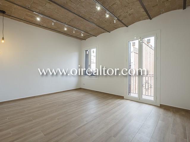 Estupendo piso reformado, alto y soleado.