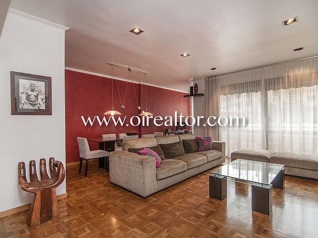 Espacioso piso reformado en alquiler en pleno centro de l'Eixample