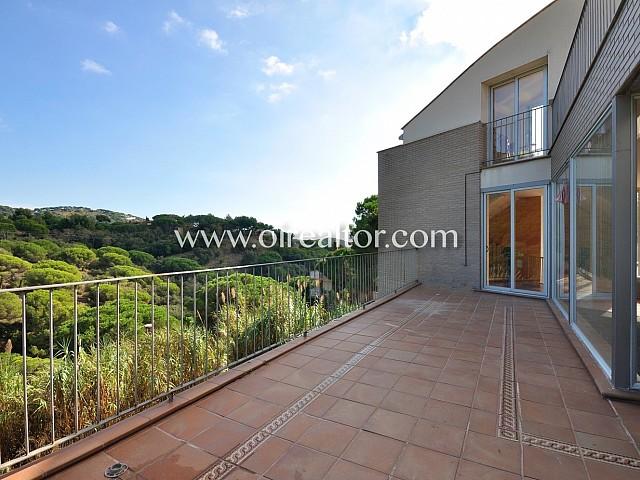 Moderna casa en venda a Alella Park