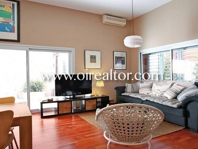 Bonito piso tipo dúplex en alquiler con dos amplias terrazas en Ciutat Vella
