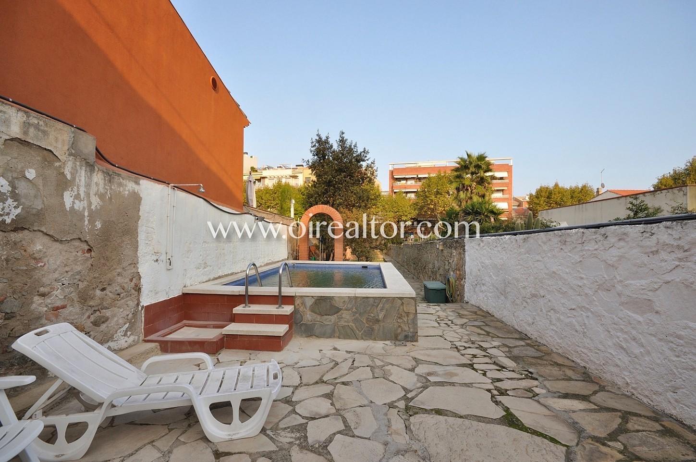 Casa unica en venta en marti pujol badalona con gran - Casa jardin badalona ...