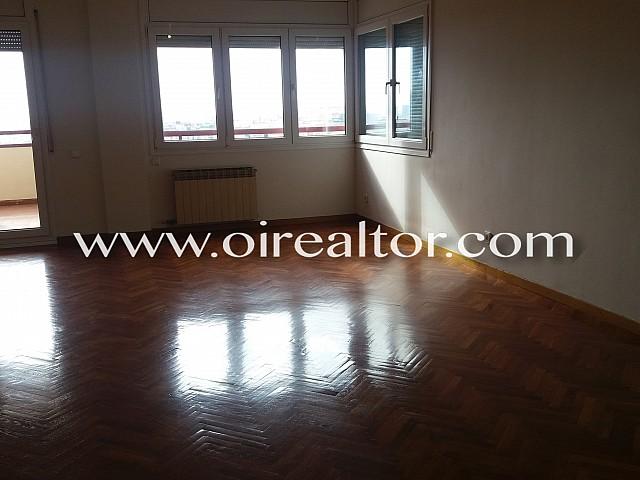 Amplio piso en alquiler en Les Corts