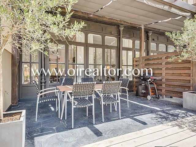 Appartement élégant rénové avec terrasse de 120 m² à Eixample Dreta, Barcelone