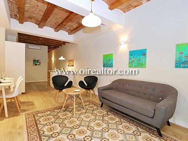 Acogedor piso en venta reformado de diseño en Poble Sec, Barcelona