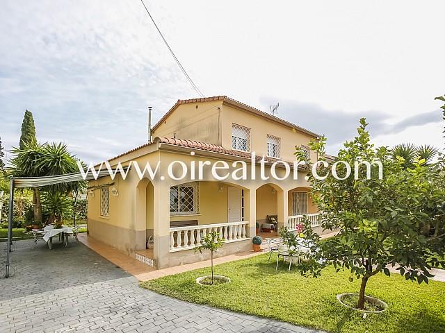 Herrliches Einfamilienhaus in Mas Trader, Cubelles