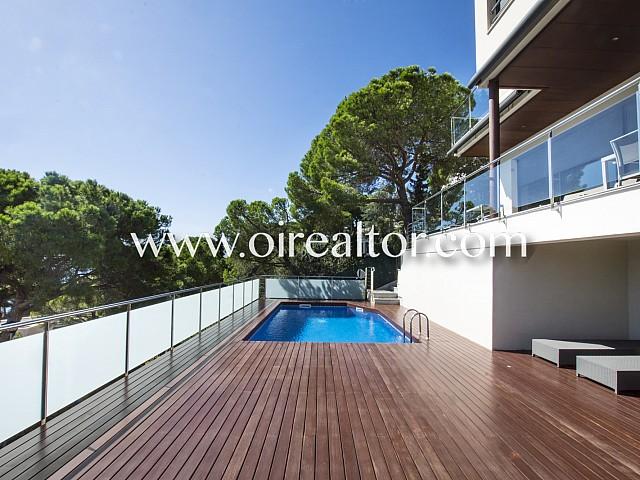 Magnifique maison à vendre entièrement rénové avec des matériaux de luxe à Cala Canyelles, Lloret de Mar