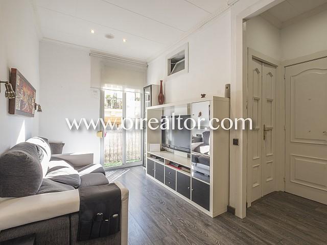 Продается солнечная квартира в Побле Сек, Барселона