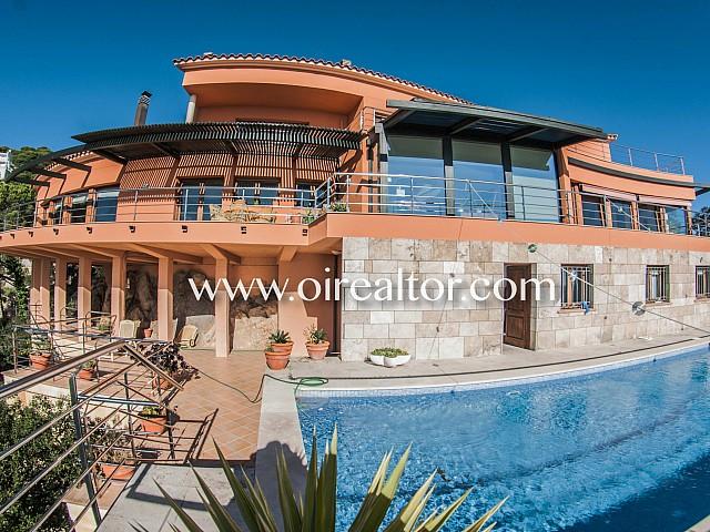 Espectacular vila de luxe amb vistes panoràmiques al mar en venda a Lloret de Mar, Costa Brava